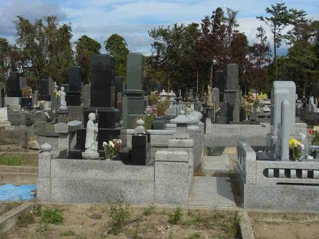 お墓が修復されていた.jpg