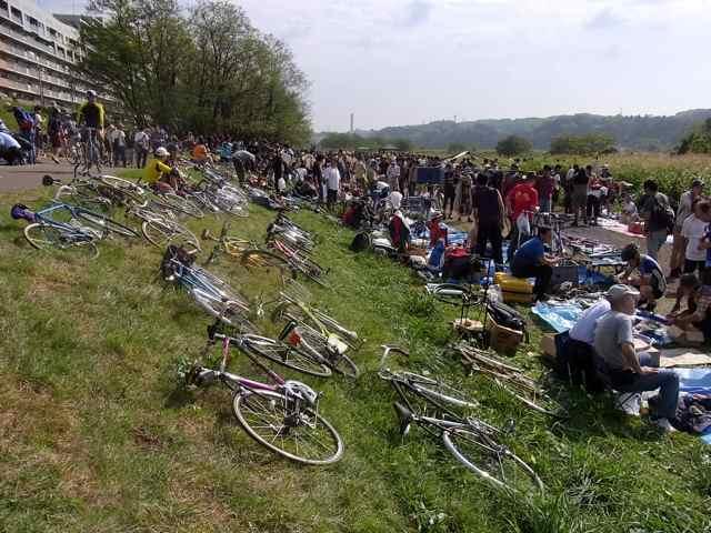 人、自転車、人、自転車.jpg