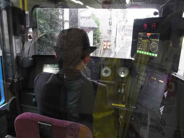 初めて目撃、女性の運転手さん.jpg