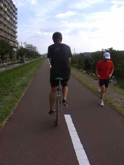 変わった自転車?2.jpg