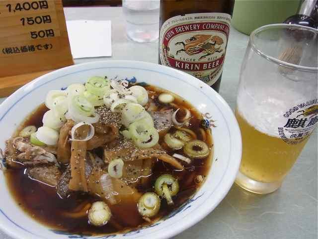 富山ブラックとビール.jpg
