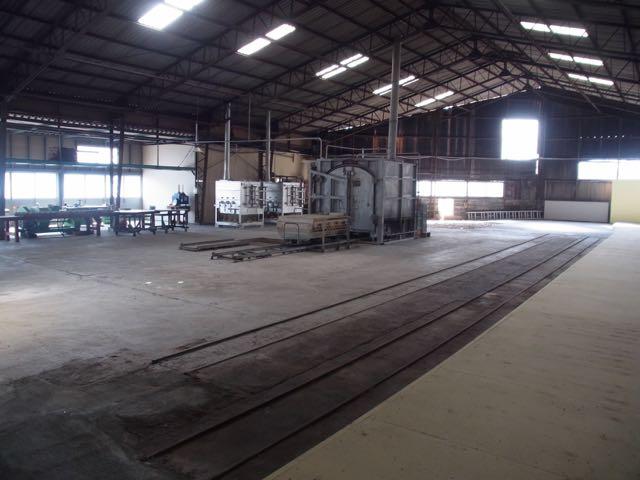 工場跡地に、釜が3台。.jpg