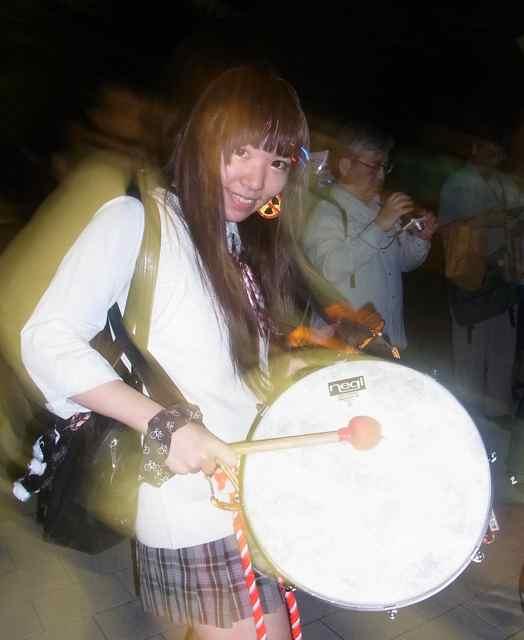 末子リス、ドラム隊入隊か?.jpg
