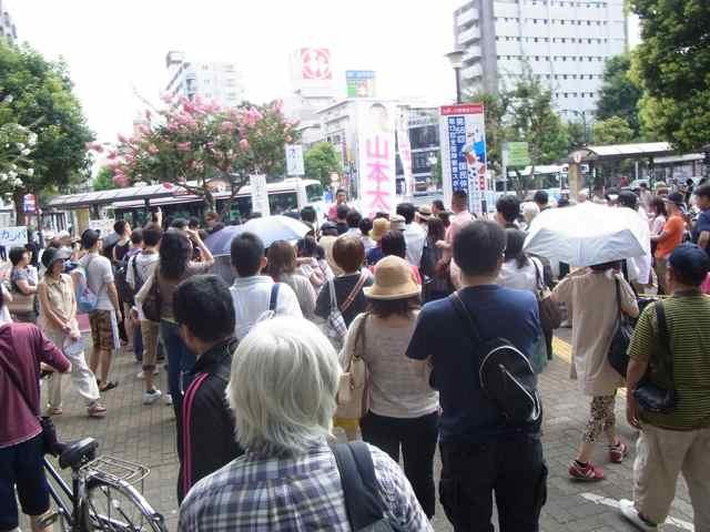 7月16日、調布駅南口。.jpg