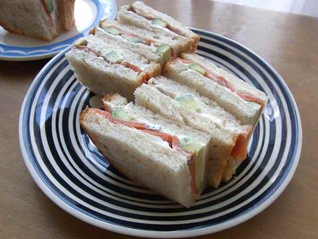 アヴォカドとサーモンのサンドイッチ.jpg