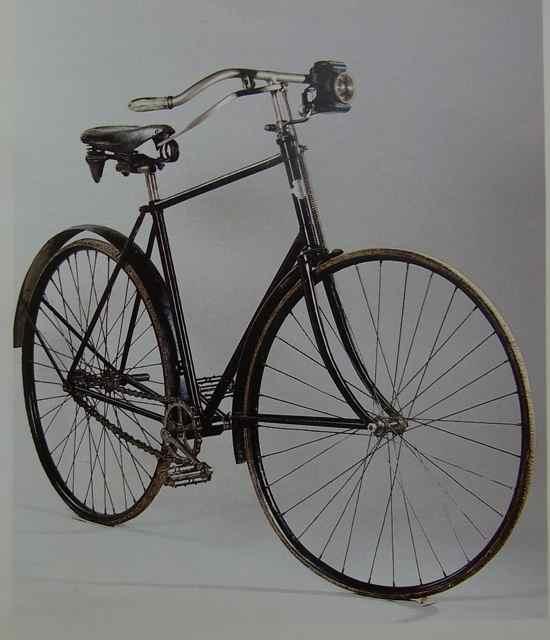 100年前の自転車.jpg