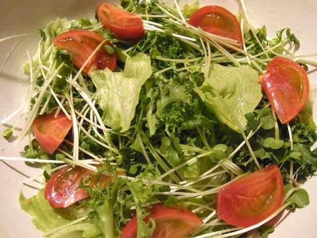 サラダを作って、ね.jpg