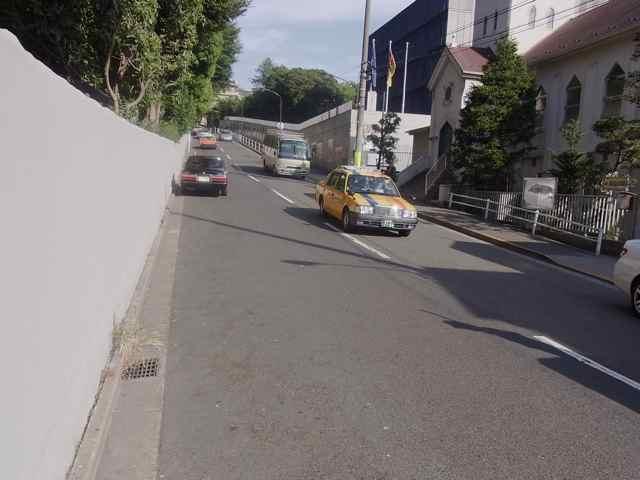 ドイツ大使館の坂.jpg