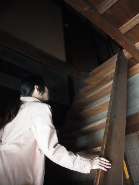 昔の階段は急だ。.jpg