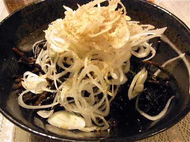黒森庵の、黒白サラダ.jpg