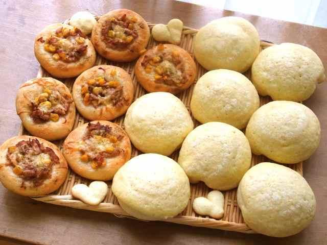 メロンパンと、ツナのおかずパン.jpg